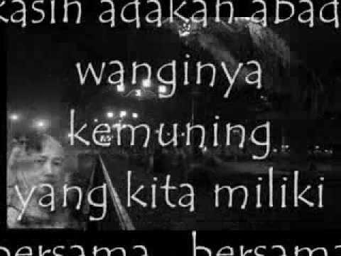 Free Download Titik Titik Bahagia - Nicky Astria (with Teks) Mp3 dan Mp4