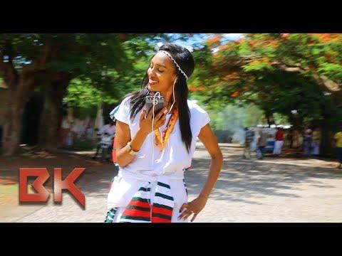 **OROMTITTI** Dawite Mekonen ft Jirenya Shifera Oromo Music 2017 (Official Video)