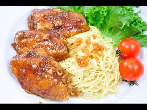 บะหมี่ไก่อบซอส Chicken Noodle with Brown Sauce (เมนูไมโครเวฟ)