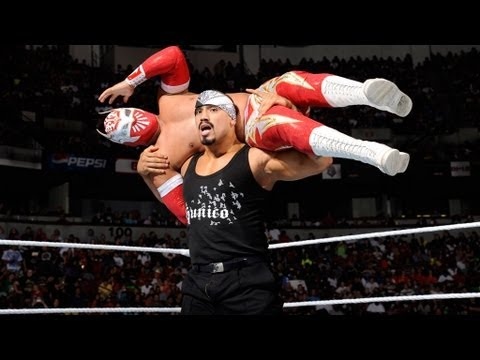 Sin Cara vs. Hunico: Raw, June 4, 2012