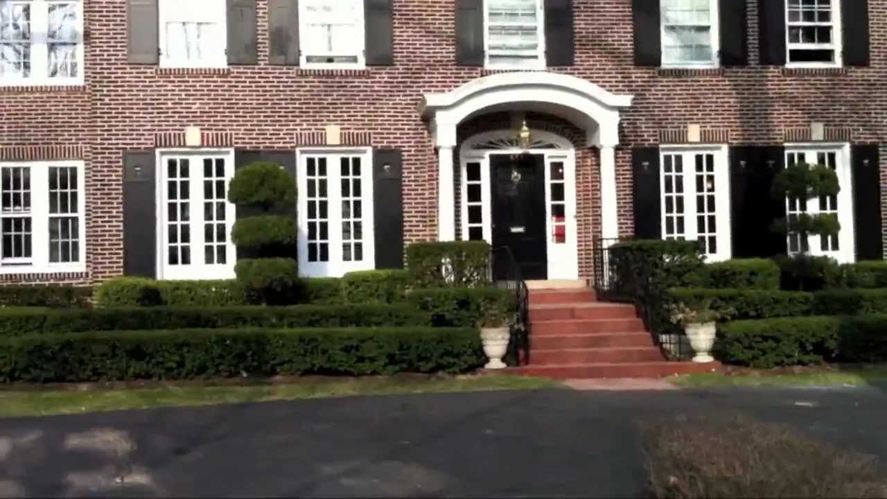 Home Alone House-HD - YouTube