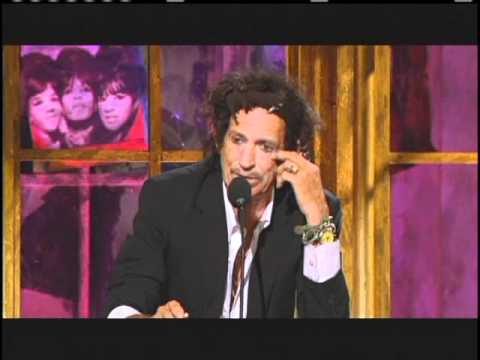Keith Richards inducts Ronettes Rock and Roll Hall of Fame Inductions 2007