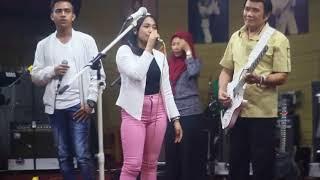 DANGDUT AKADEMI DGN RHOMA IRAMA; Lagu Rambate Rata Hayo