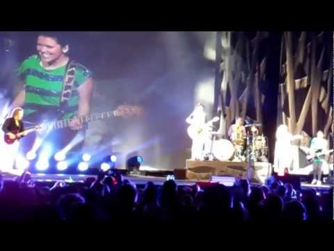 Sugarland Live Virginia Beach 4/26/12, All I want to Do + Jennifer Nettles Ice Ice Baby