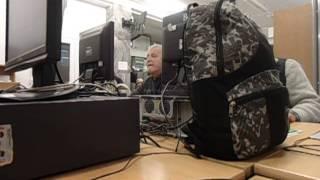 MOV03563NOTORYCZNE PLOTKARSTWO W WARSZAWIE BAZAROWEJ NAD WISTULA