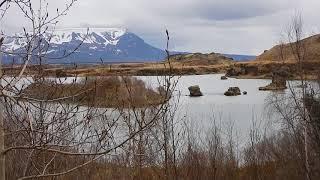 アイスランド観光地 岩が多いミーヴァトン湖周辺(蚊が多い)- Iceland Sightseeing Stones at Mývatn Too many mosquitoes