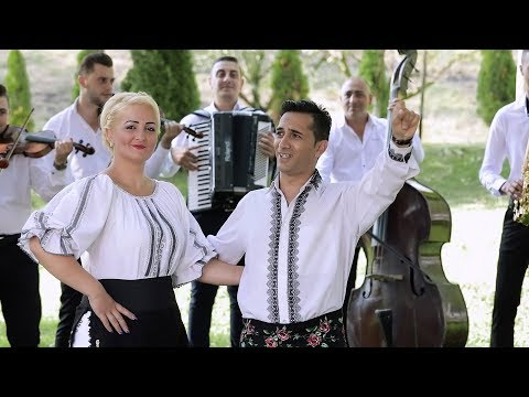 Ionut de la Cimpia Turzii si Delia Molnar - Ce rasuna asa frumos (Videoclip Oficial)