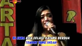 Download Video Deviana Safara - Bukit Berbunga (Official Music Video) - The Rosta - Aini Record MP3 3GP MP4