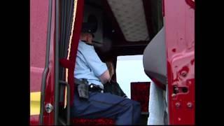 Blik op de Weg OFFICIAL - Fragment Vrachtwagen met blauwe zwaailichten