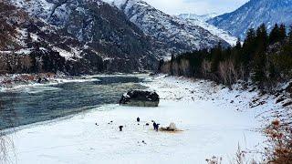Зимняя рыбалка на хариуса у рассекреченной дачи Путина Отпустили камеру по лед и офигели
