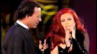 Julio Iglesias canta Tango - Caminito [Duo con Milva] (HD)