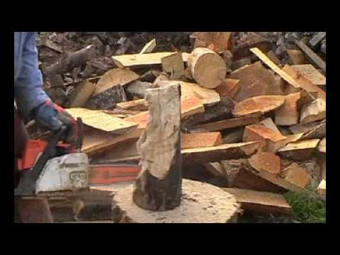 Chainsaw carving a bear in 10 minutes