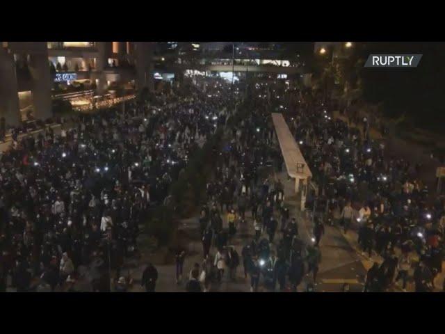 <span class='as_h2'><a href='https://webtv.eklogika.gr/chiliades-diadilotes-stoys-dromoys-toy-chongk-kongk-gia-tin-imera-ton-anthropinon-dikaiomaton' target='_blank' title='Χιλιάδες διαδηλωτές στους δρόμους του Χονγκ Κονγκ, για την Ημέρα των Ανθρωπίνων Δικαιωμάτων'>Χιλιάδες διαδηλωτές στους δρόμους του Χονγκ Κονγκ, για την Ημέρα των Ανθρωπίνων Δικαιωμάτων</a></span>