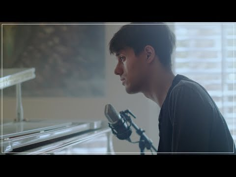Thumbnail: I CAN'T HELP FALLING IN LOVE WITH YOU - KHS Cover