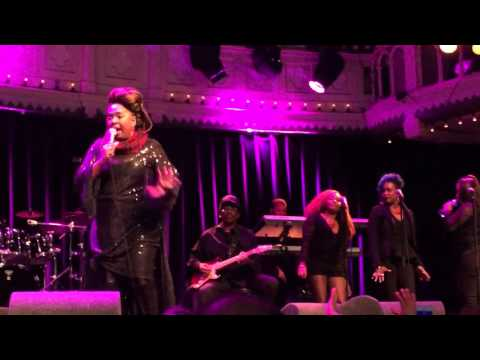 Betty Wright - Tonight Is The Night live @ Paradiso Amsterdam 8 april 2016