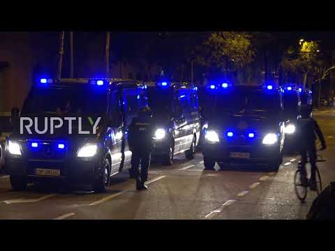 Spain: Hundreds protest outside High Court following arrests of Catalan politicians