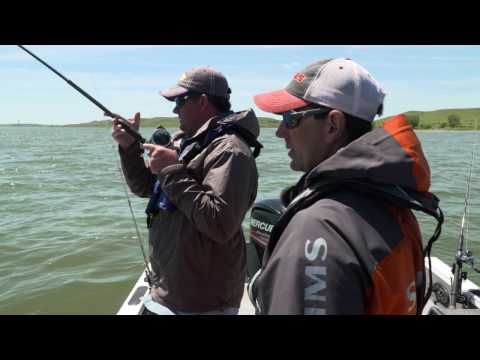 Trolling Lake Oahe Walleye