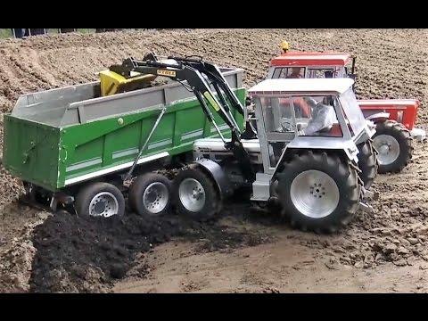 schl ter rc traktor im einsatz mit frontlader und. Black Bedroom Furniture Sets. Home Design Ideas