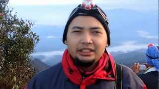 Bila udah sampei di puncak Gunung Tahan