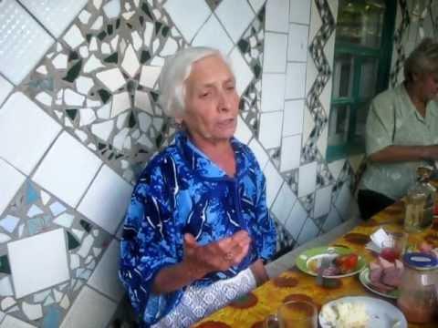 Бабушка Катя шпарит частушки 2011 г.