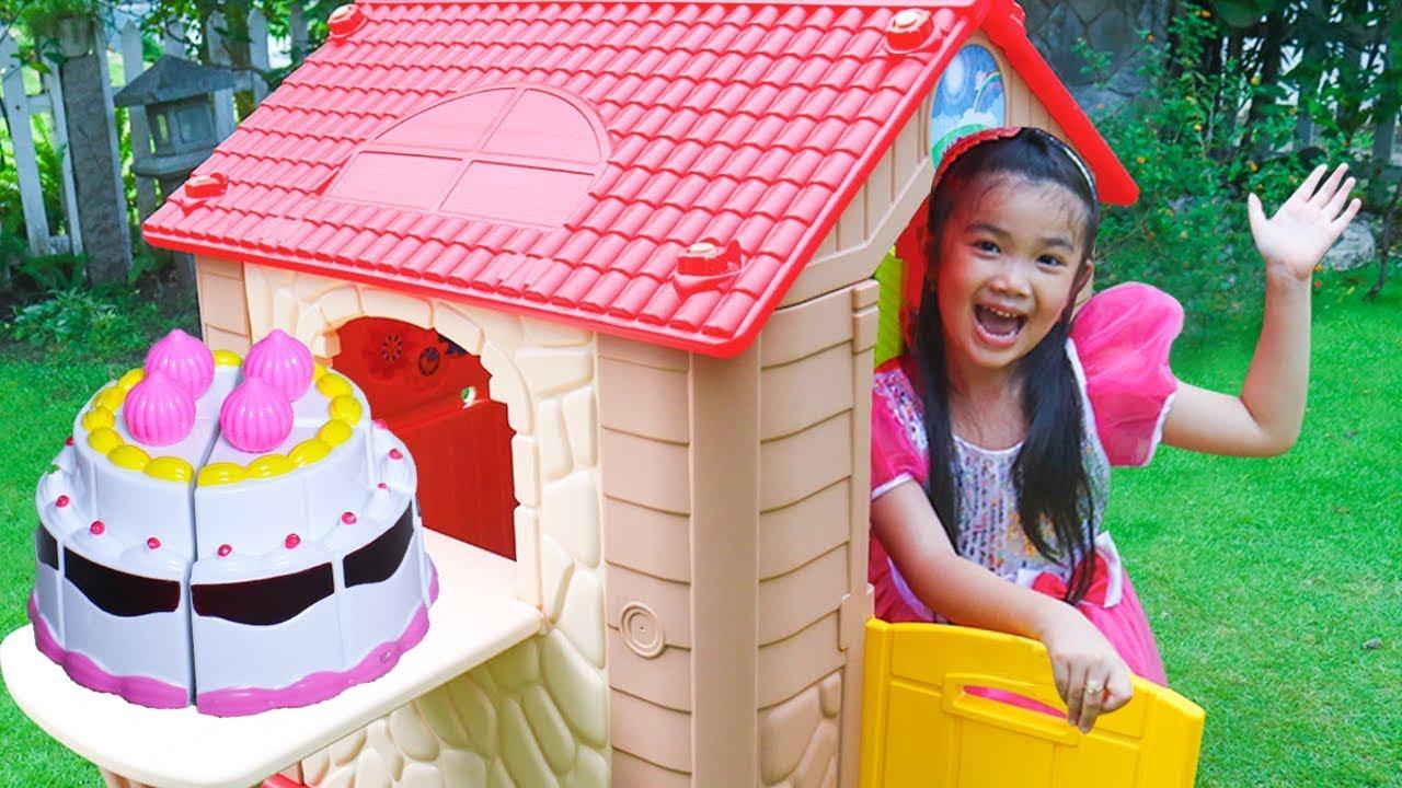 Hana Pretend Play With Kids House
