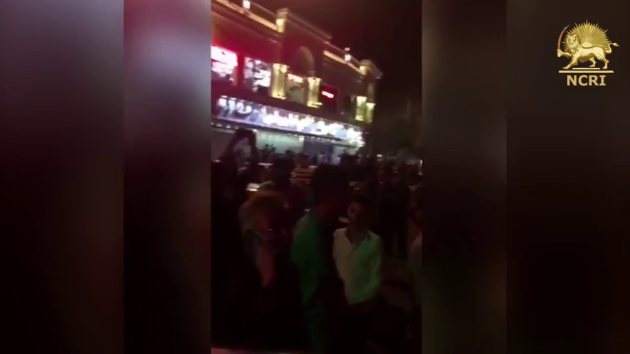 "QOM, #Iran, Aug. 4, 2018. Protesters chanting: ""DEATH TO THE DICTATOR"