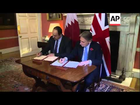 Emir of Qatar meets David Cameron for talks on situation in Middle East