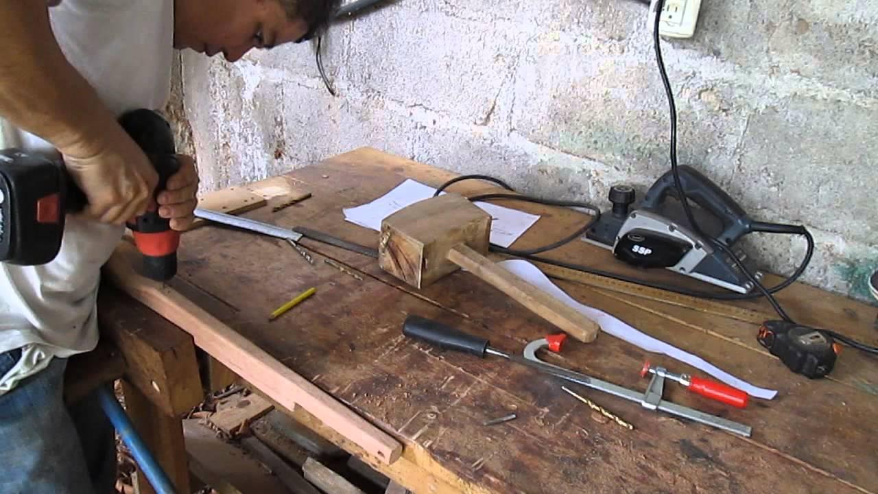 C mo hacer un rifle de madera y goma para lanzar piedras for Como fabricar un kiosco de madera