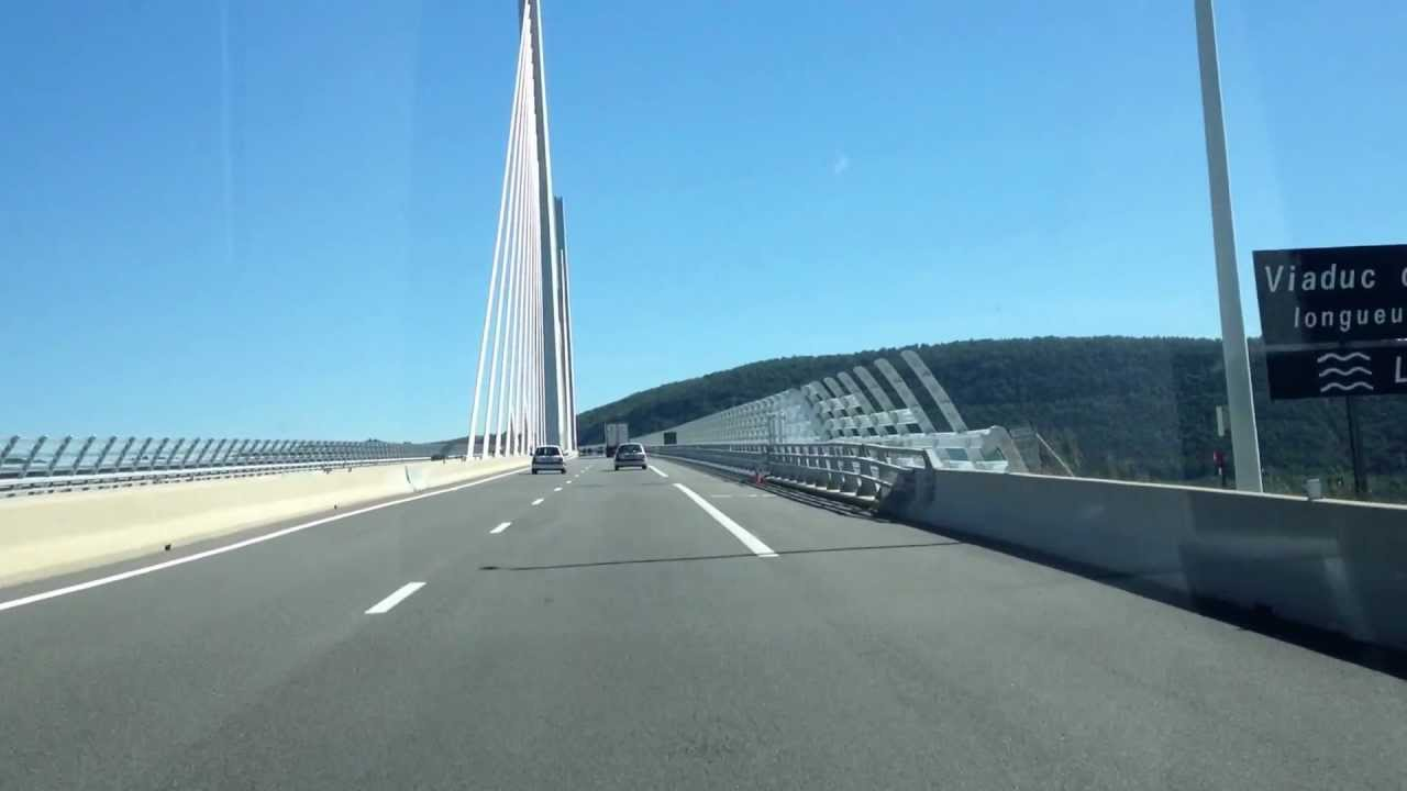 viaduc de millau vu de l 39 autoroute a75 en voiture youtube. Black Bedroom Furniture Sets. Home Design Ideas