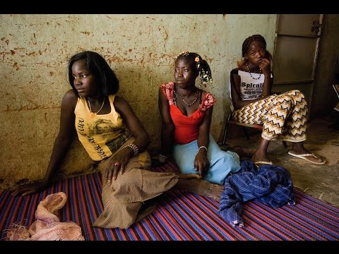 beautiful girls of Kidal ,city of Mali, tour guide to monuments, buildings, history and attractions