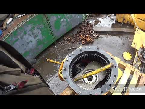 видео: башенный кран liebherr 112 грузовой редуктор , как выдрать первичный вал ?