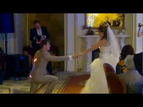 Оригинальный свадебный танец под любимую мелодию пары