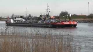 """Binnenschiff """"MS Synthese 2"""" auf der Ems in Weener"""