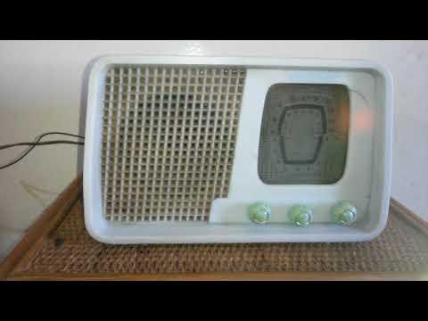 Antigua radio 5 valvulas bakelita OC y OL Funcionando