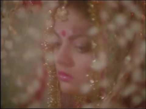 Shakti Kapoor enjoying sheeba on their suhagraat thumbnail