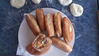 Пирожки с капустой и солеными грибами