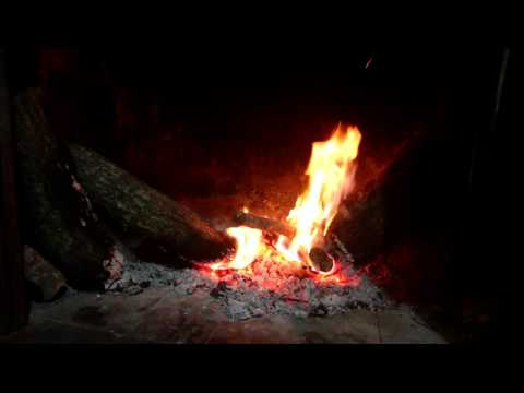 SCREEN SAVER - Italian Crackling Fireplace - Amazing Cinema Quality & ASMR Sounds