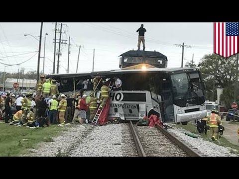 Empat orang tewas dalam tabrakan kereta dengan bus - Tomonews