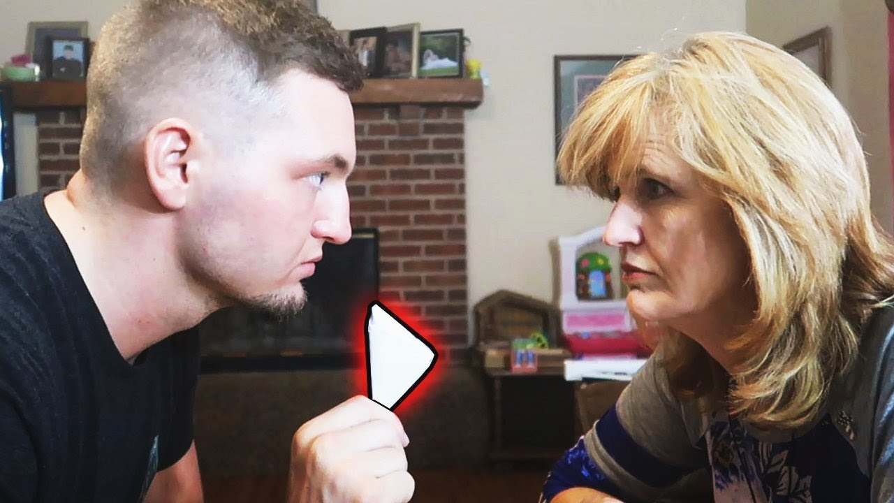 EPIC PAPER FOOTBALL CHALLENGE vs. MY MOM!!