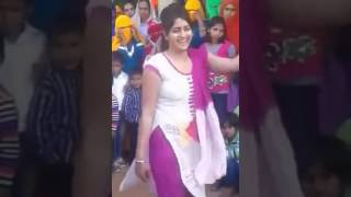 Desi VILLAGE Girls dance on Marwadi Dj Song Vivah Geet Shadi Dance 2017 Rajastha