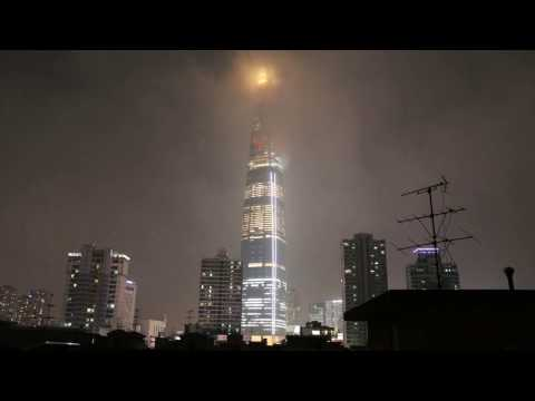 Lotte World Tower time lapse