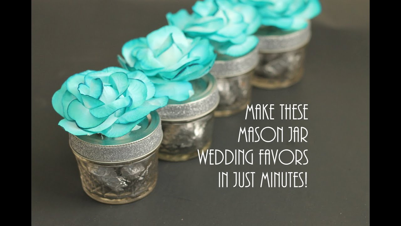 mason jar wedding favors with flowers