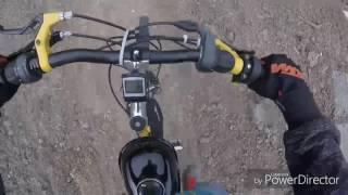 Vélo à moteur 50cc en forêt !