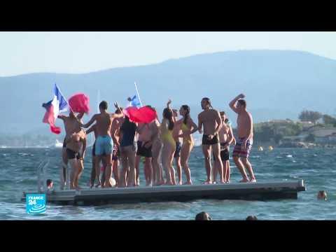 بالصور: الفرنسيون يحتفلون بفوز الزرق بكأس العالم 2018