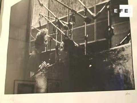 Paul McCartney expone antología de fotos de su mujer, Linda Eastman.