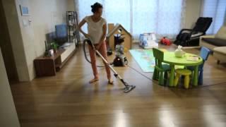 아에게AEG 버블 청소기 사용 모습