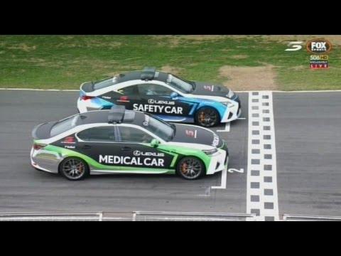 2016 V8 Supercars - Symmons Plains - Safety Car vs Medical Car