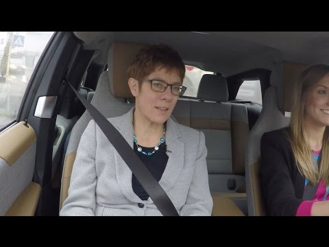 Social Media Post: IT Gipfel 2016 Saarbrücken – Annegret Kramp-Karrenbauer - Telekom...