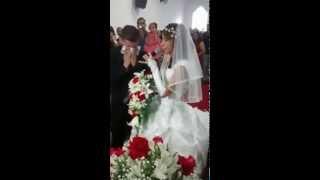 Baixar Aline Santos Louvando no seu casamento.Emoção,choro de alegria do noivo e convidados.