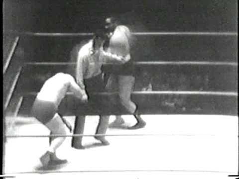 The Sheik V Bobby Bell Golden Age Wrestling 1960s